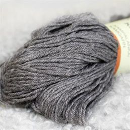 Combed yarn, dark stone grey